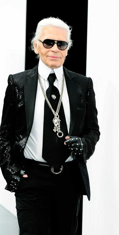Karl Lagerfeld en el desfile de prêt-à-porter otoño/invierno 2009