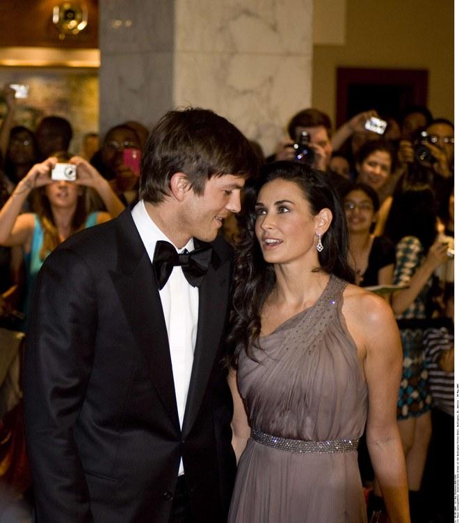 Ashton Kutcher y Demi Moore muy