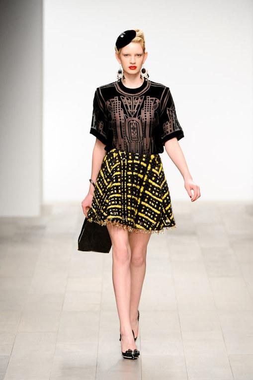 Holly Fulton LFW a/w 2011 catwalk photos   London Fashion Week 2011
