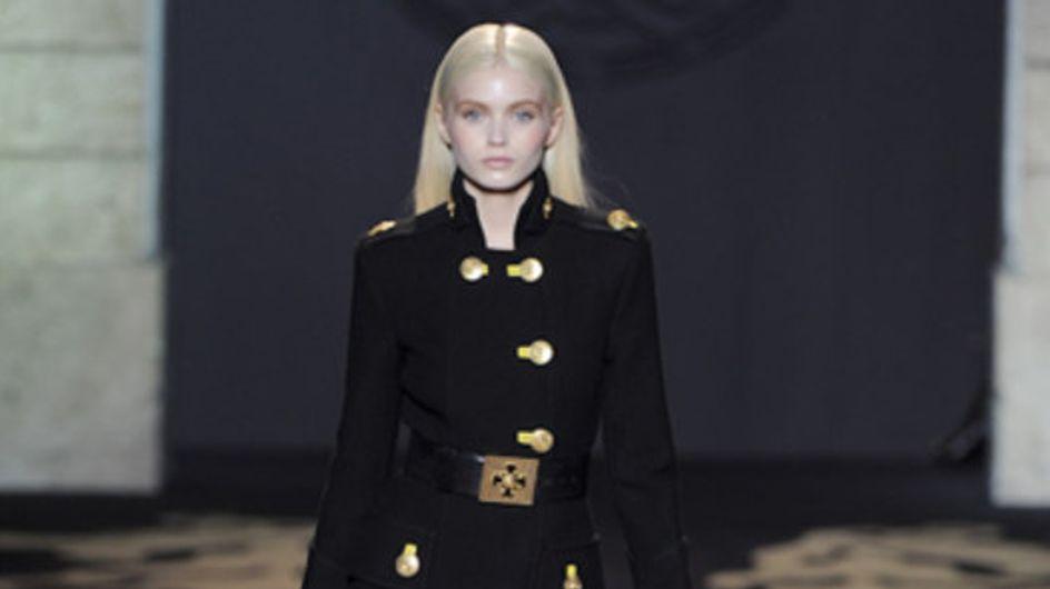Versace: Milano Moda Donna Herbst/Winter 2011/12