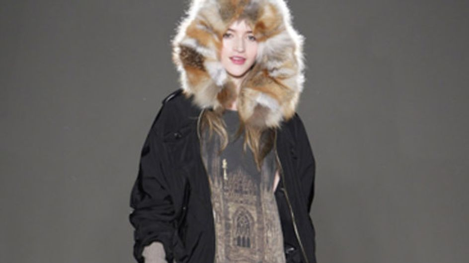Moschino Cheap and Chic: Milano Moda Donna Herbst/Winter 2011/12
