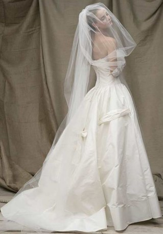 Hochzeitskleid von Acquachiara