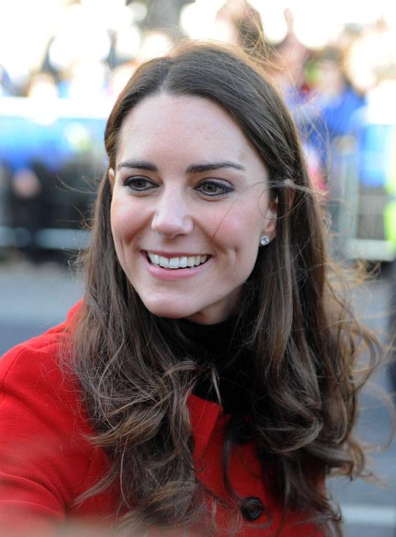 Kate Middleton : Votez pour la coiffure qui lui irait le mieux !