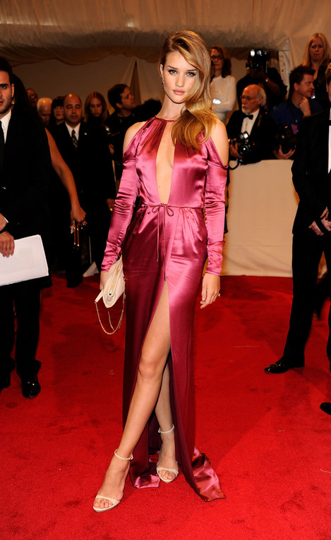 Rosie Huntington Whiteley au Met Ball 2011