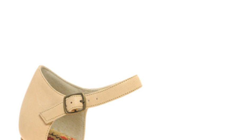 Peeptoes, Pumps & Co: Die schönsten Wedges 2011