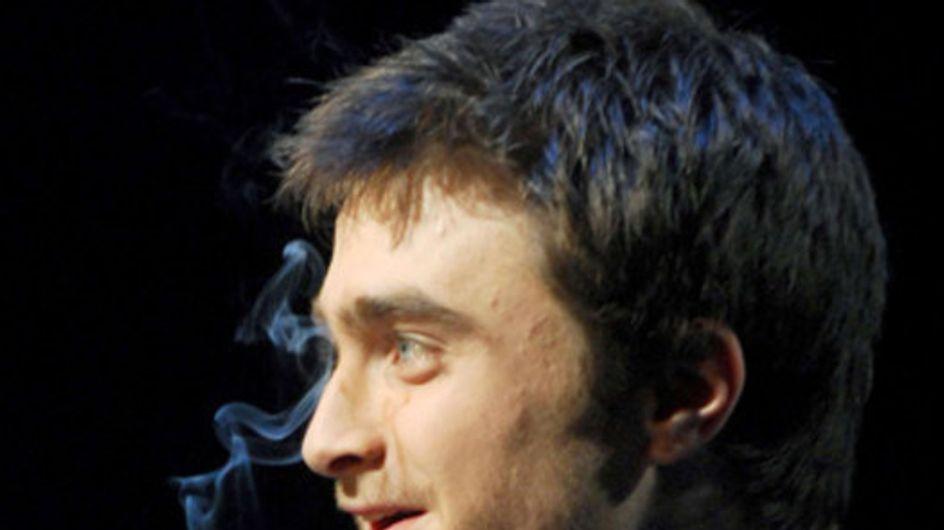 Beim Rauchen erwischt! Diese Stars können's einfach nicht lassen...