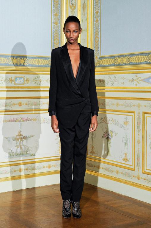 Défilé Anne Valérie Hash Haute Couture AH 2011 2012