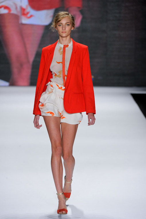 Vivienne Tam sfilata New York Fashion Week pe 2012