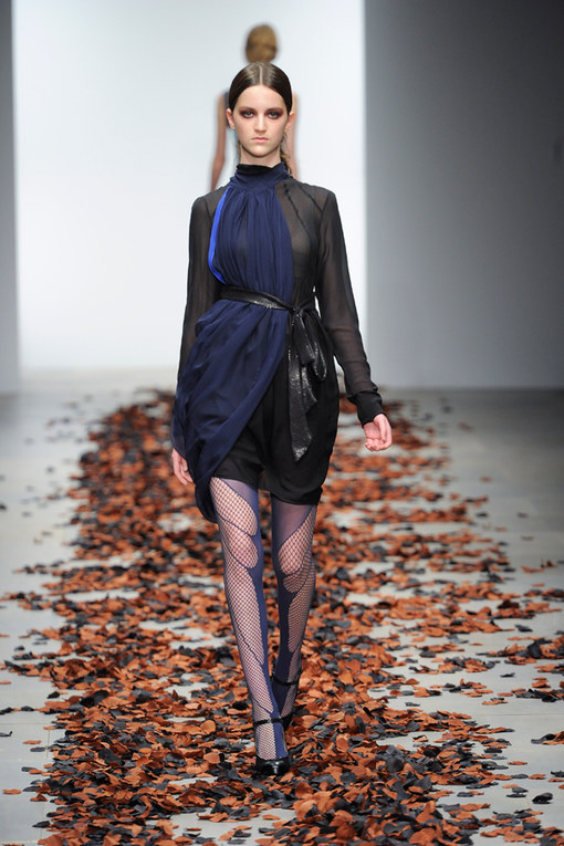 Sfilata Bora Aksu primavera-estate 2012 London Fashion Week