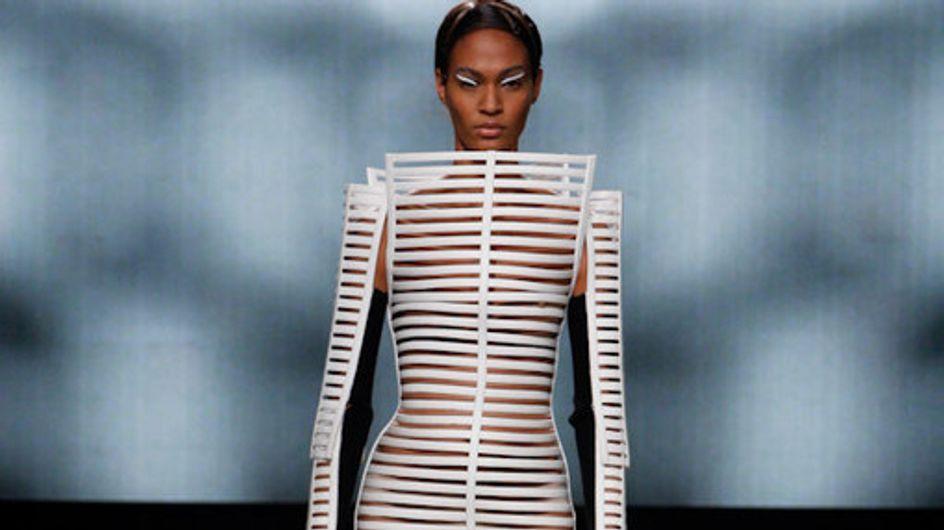Sfilata Gareth Pugh Parigi Fashion Week p-e 2012
