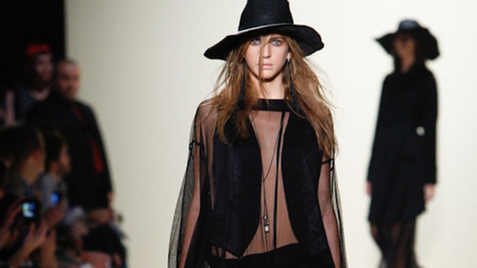 Sfilata Ann Demeulemeester Parigi Fashion Week p-e 2012
