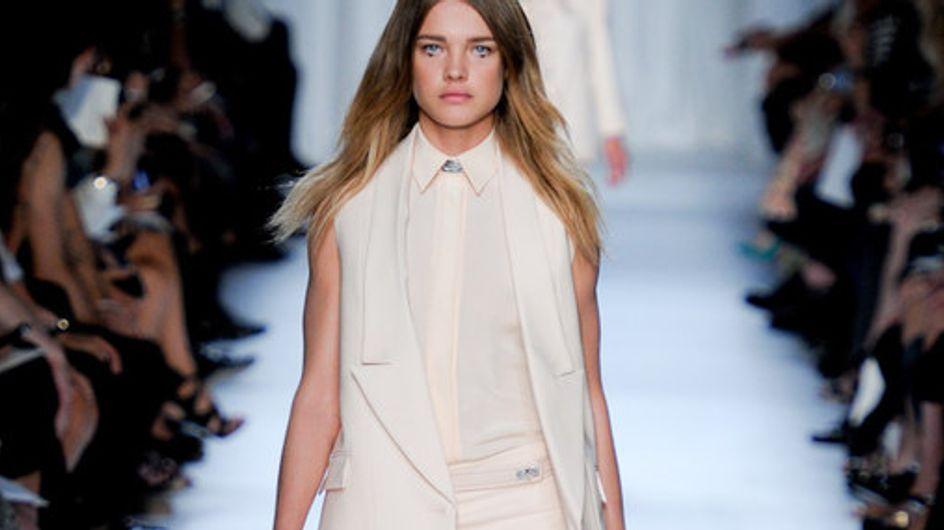 Hochgeschlossen & transparent: Givenchy auf der Fashion Week Paris