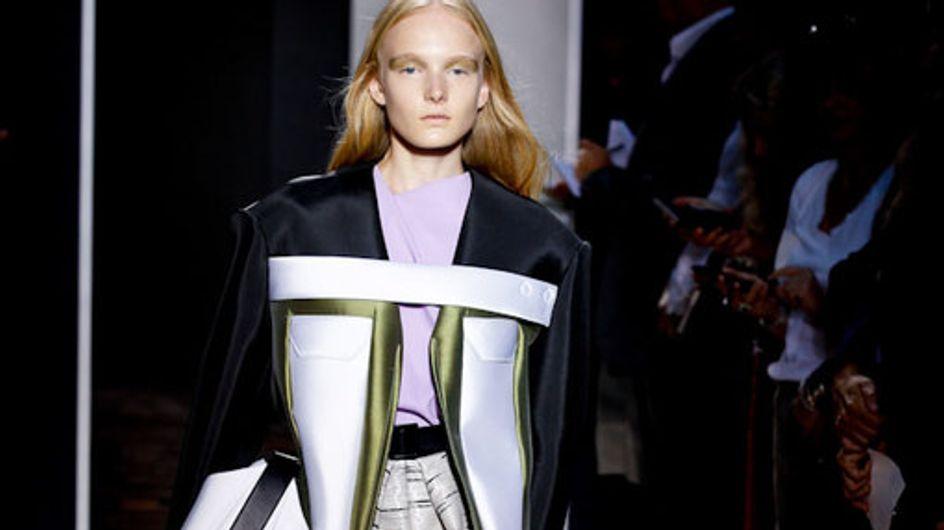Sfilata Balenciaga Parigi Fashion Week p-e 2012