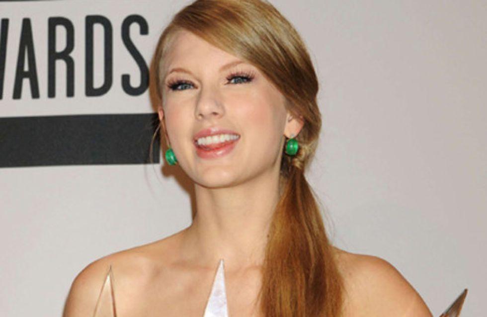 Es glitzert & funkelt: Die Star-Looks bei den American Music Awards 2011