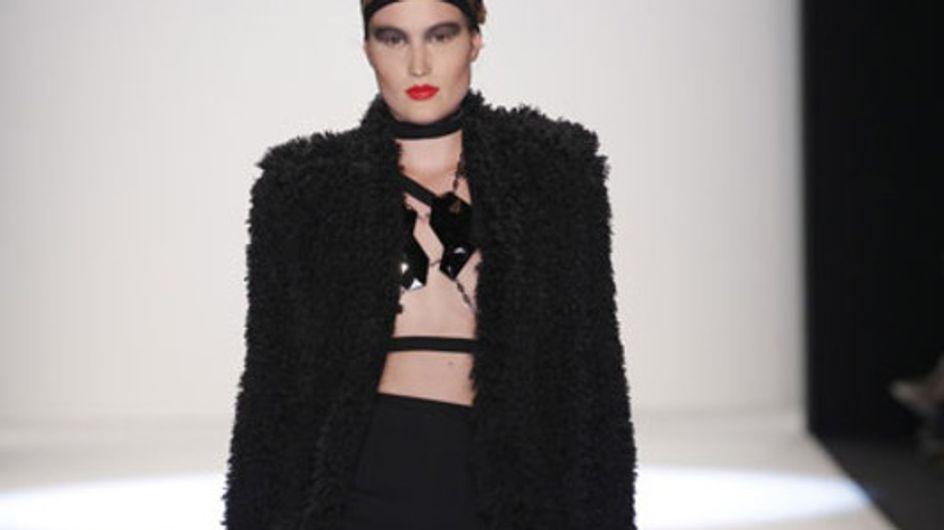 Markante Weiblichkeit: Irina Schrotter bei der Mercedes-Benz Fashion Week Berlin