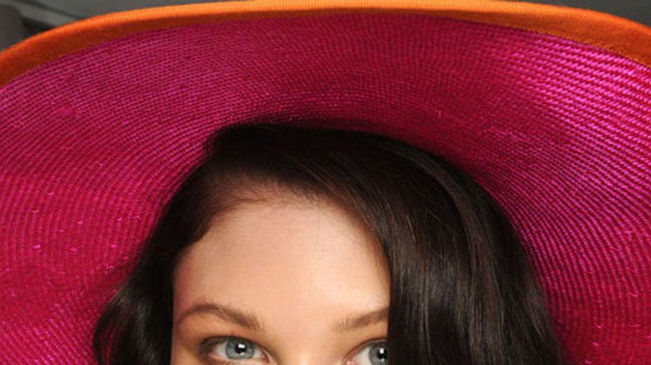 Labbra rosse, colori accesi e viso dorato: i trend makeup per la primavera 2012