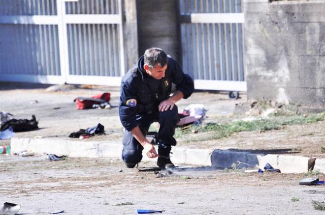 Brindisi: bomba davanti a una scuola