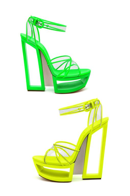 La moda fluo dell'estate 2012 - Sandali Casadei fluo estate 2012