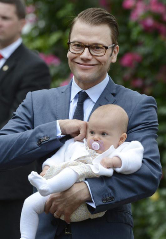 Estela y su padre Daniel de Suecia