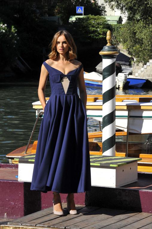 Kasia Smutniak, madrina di Venezia 2012 - L'arrivo al Lido