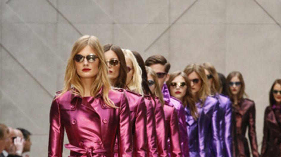 Trenchcoat Parade! Burberry zeigt glänzende Mode in London