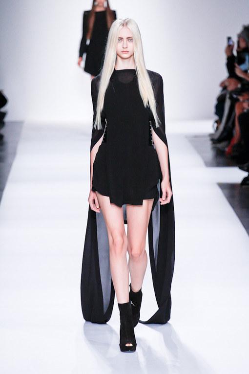 Ann Demeulemeester Parigi Fashion Week primavera/estate 2013