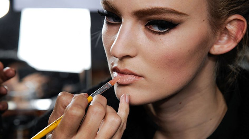 Make-up d'autunno: rossetti, ombretti e smalti per seguire i trend stagionali