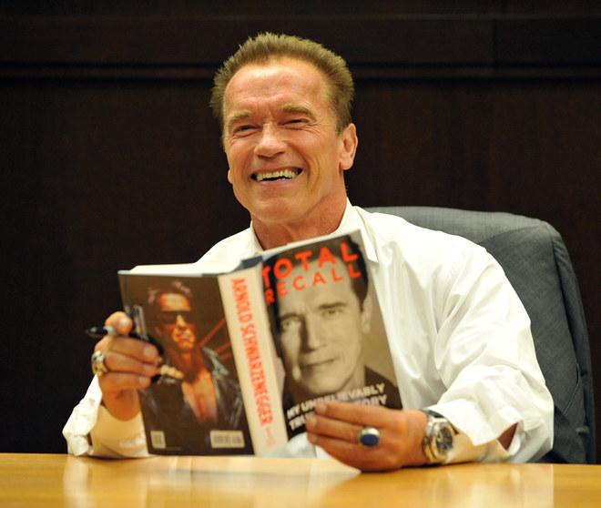 Schwarzenegger presenta la sua autobiografia