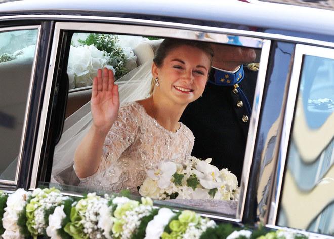 Stephanie de Lannoy en el coche nupcial