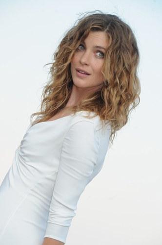 Vittoria Puccini - La miglior attrice del 2012 secondo le lettrici di alfemminile