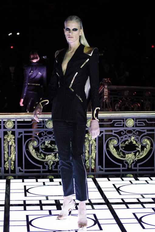 Défilé Atelier Versace Haute Couture Printemps-Eté 2013