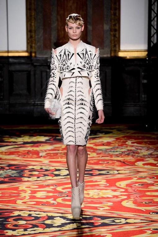 Défilé Iris Van Herpen Haute Couture Printemps-Eté Paris 2013