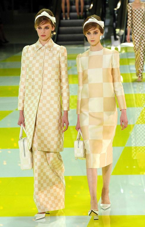 I tessuti a quadri di Louis Vuitton per la primavera: mania delle star