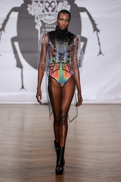 Défilé On Aura Tout Vu Haute Couture Printemps-Eté 2013
