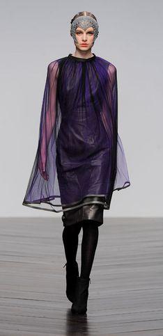 Sfilata Bora Aksu London Fashion Week autunno/ inverno 2013 - 2014