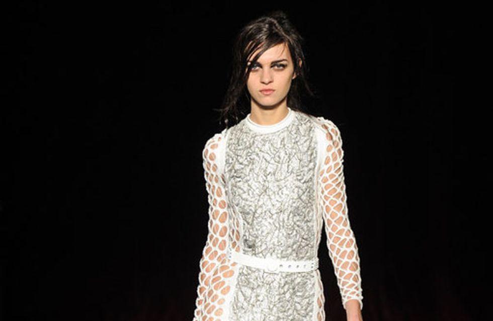 Sfilata Julien Macdonald London Fashion Week autunno/ inverno 2013 - 2014