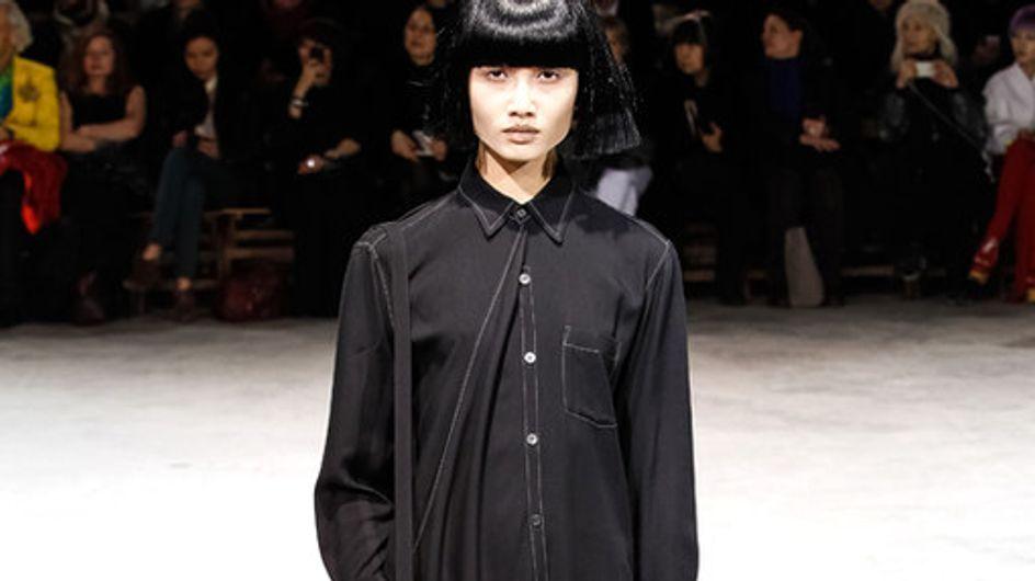 La sfilata Yohji Yamamoto alla Paris Fashion Week