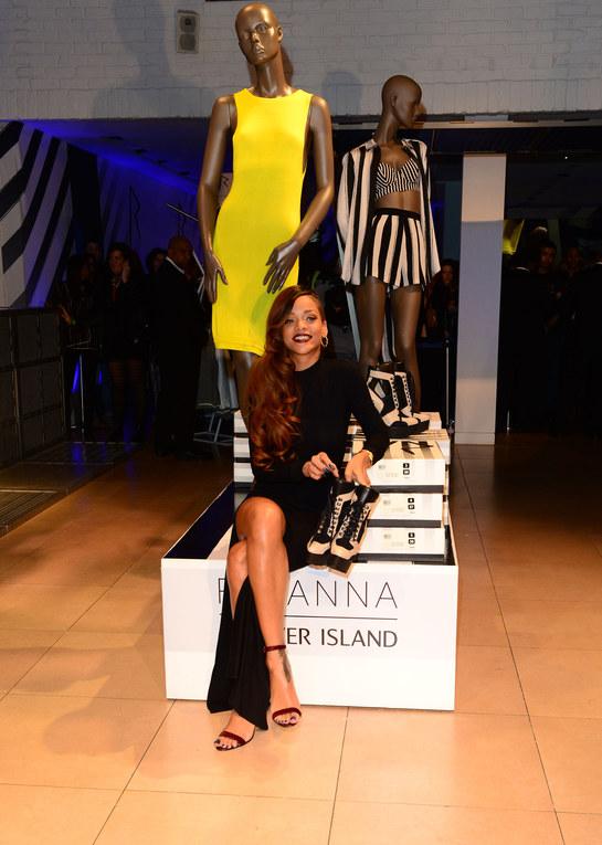 Rihanna presenta su colección