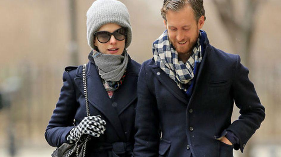 Foto/ Anne Hathaway, passeggiata romantica a New York
