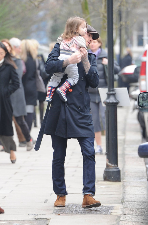 David Beckham, un dolce papà a Londra