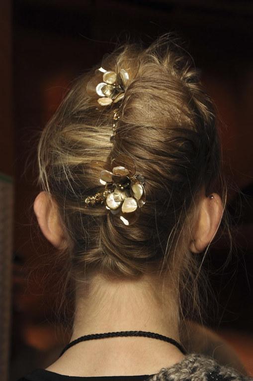 Quando l'accessorio è tra i capelli