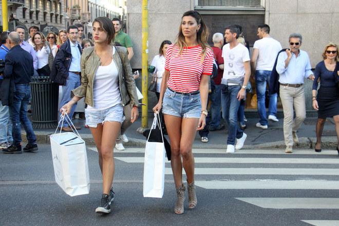 Belén, shopping con la sorella Cecilia