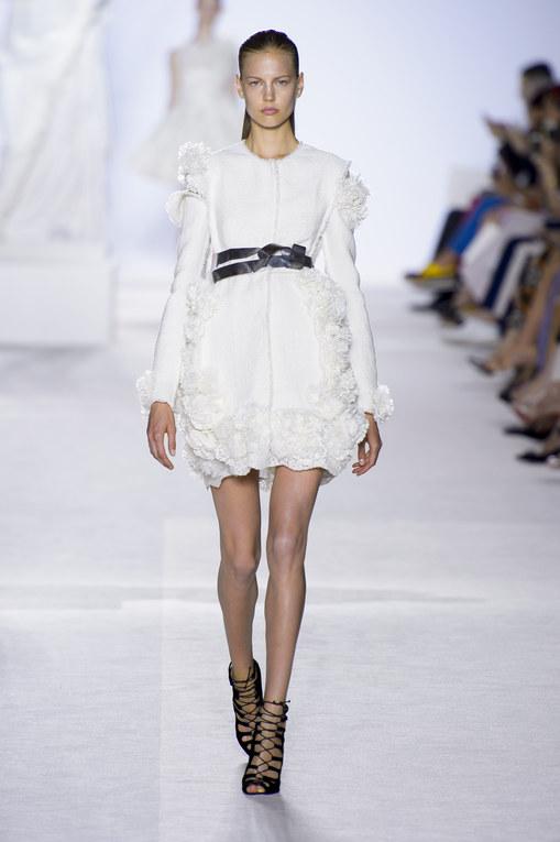 Défilé Giambattista Valli Haute Couture Automne-Hiver Paris 2013-2014