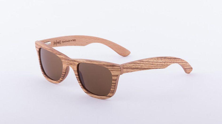 Il must dell'estate: gli occhiali da sole di legno