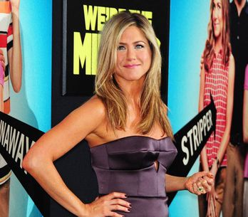 Aniston incinta? Pancino sospetto: foto