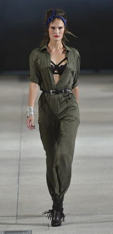 Alexis Mabille, bomb girl