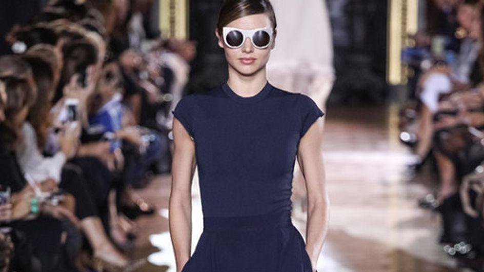 Cara Delevingne e Miranda Kerr sfilano per Stella McCartney alla Parigi Fashion