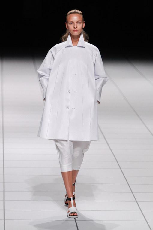 Issey Miyake Parigi Fashion Week primavera estate 2014