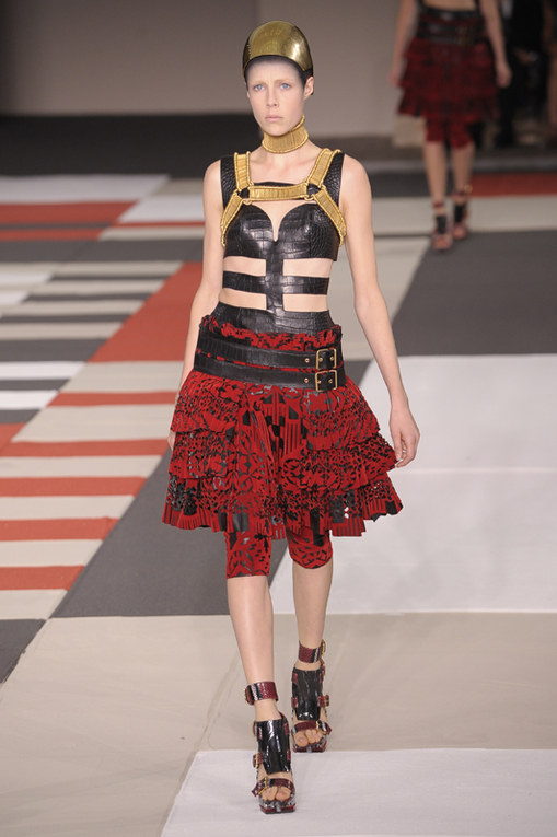 Alexander McQueen Parigi Fashion Week primavera estate 2014