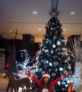 Christmas pictures: Stars celebrate the festive season